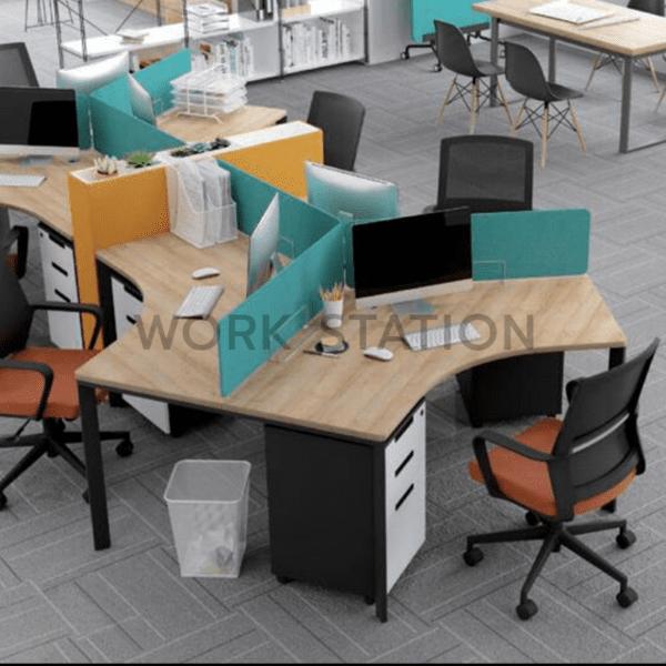 โต๊ะทำงานหลายที่นั่งพร้อมฉากกั้น