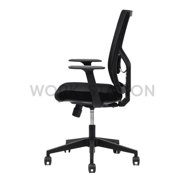 เก้าอี้สำนักงานสีดำ รุ่น 266B-LP