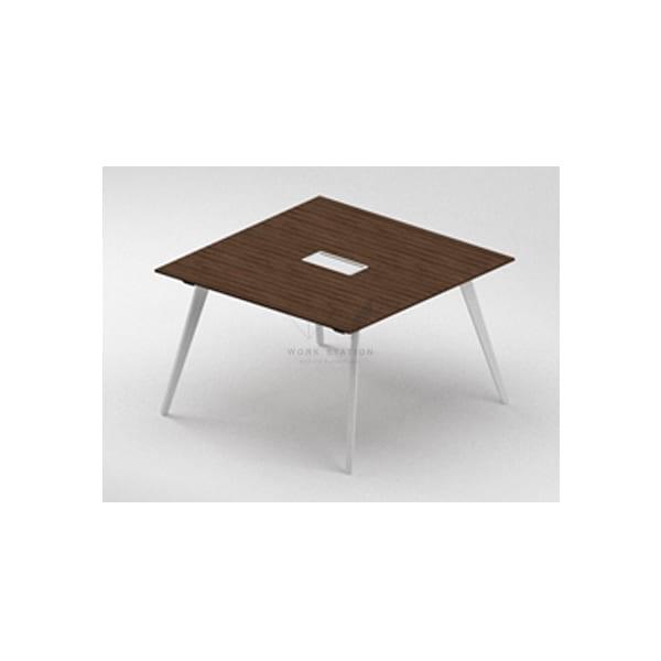 โต๊ะประชุมขนาดกลาง