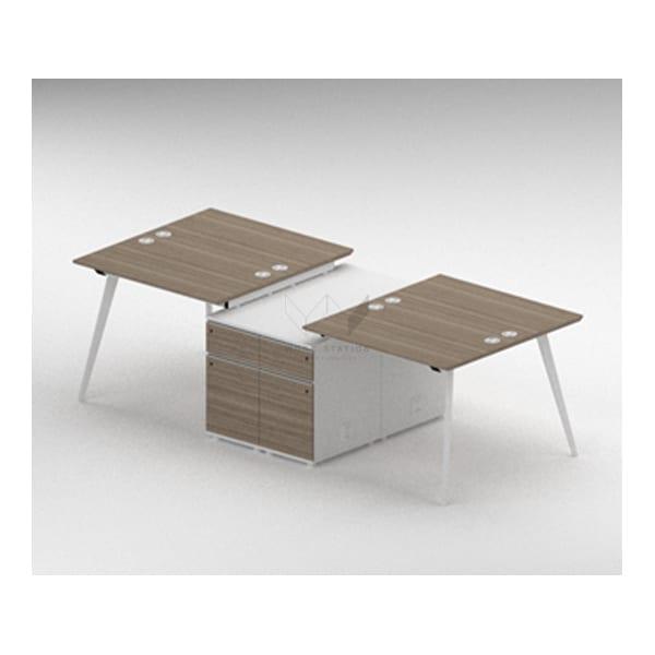 โต๊ะทำงานพร้อมตู้ลิ้นชักกลาง