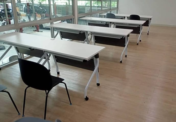 โต๊ะเทรนนิ่ง โต๊ะอบรมเคลื่อนย้ายได้ พับเก็บง่าย