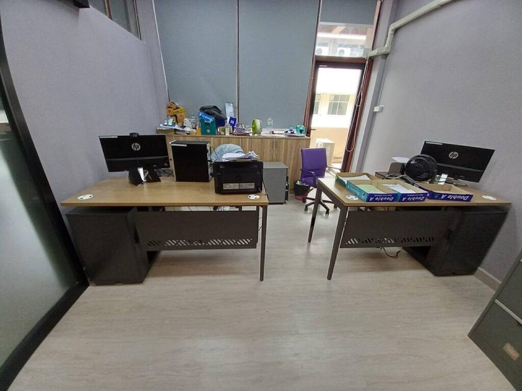 ช่างเฟอร์นิเจอร์ งานติดตั้งเฟอร์นิเจอร์โต๊ะสำนักงาน